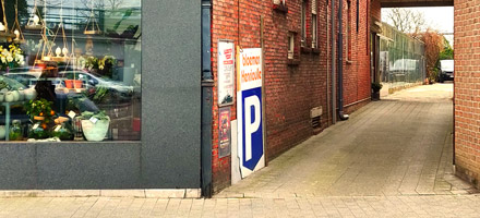 BloemenHenrioulle_hasselt_Parking_achteraan