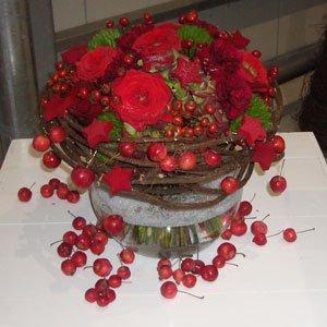 Prachtig-rood-bloemstuk
